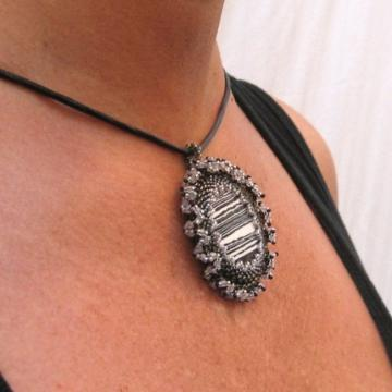 Black and white agate beadwork pendant
