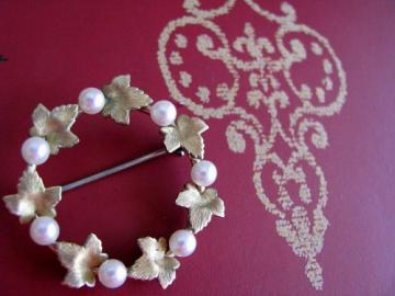 1950 A Wedding Brooch, Bridal Pearls and Maple Leaves