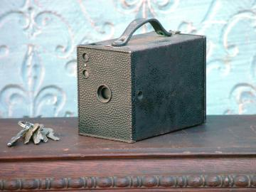 Kodak Cartridge Hawk-Eye Camera Model A 1914 Brownie Box camera