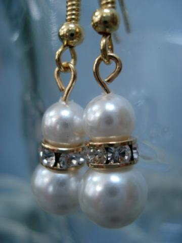 Shantel earrings (gold and pearl)