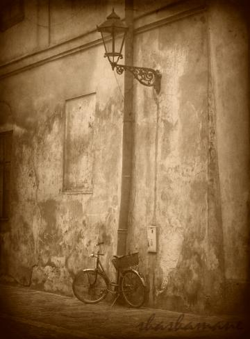 "Timewatch - 7 x 5"" fine art photography print. Vintage scene of bicycle under streetlamp"