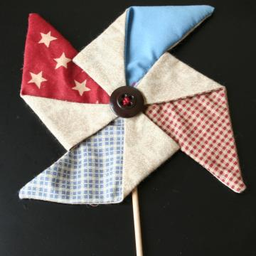 Red White & Blue Pinwheel Sticks
