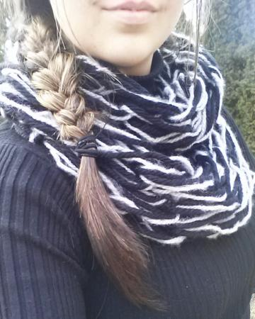 Black and White Chunky Knit Infinity Scarf