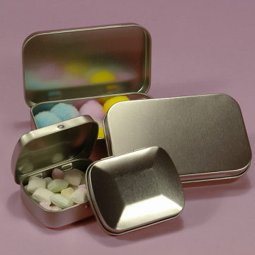 Medium Hinged Rectangular Tin