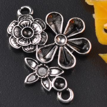 6 Tibet Silver Flower Connectors 