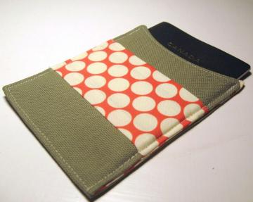 passport sleeve - full moon polka dot