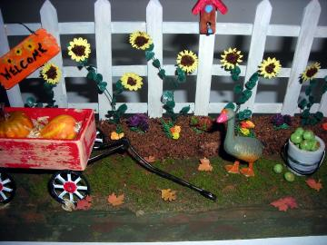 Autumn Scene for One Inch Dollhouse Scale Landscaping