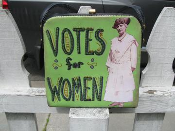 Upcycled Suffragette Purse, Green