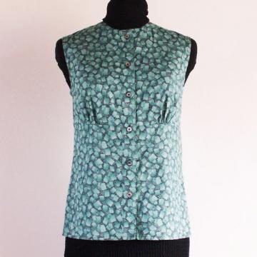 Size 4  Teal Geometric Print Sleeveless Button Front Blouse