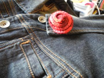 Multi Tone Red Rosette Pin