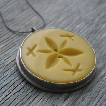 Vintage Button Pendant - Yellow
