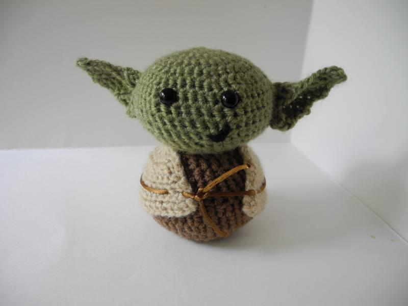 Amigurumi Yoda : Click to Enlarge Image