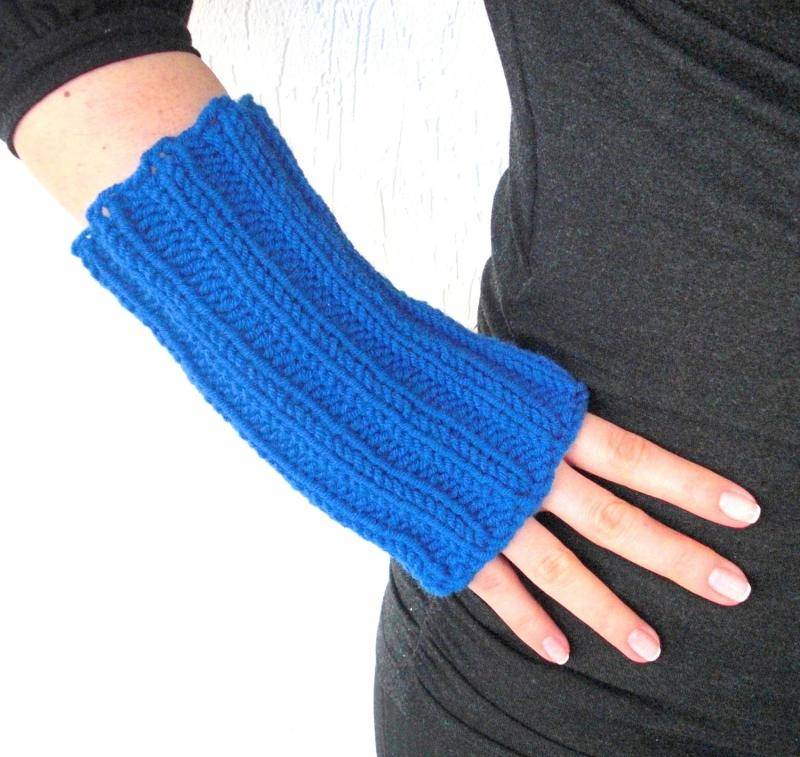 Knitting Pattern Easy Fingerless Gloves : Click to Enlarge Image