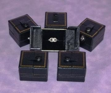 BLACK SNAP RING GIFT BOXES 6 QTY