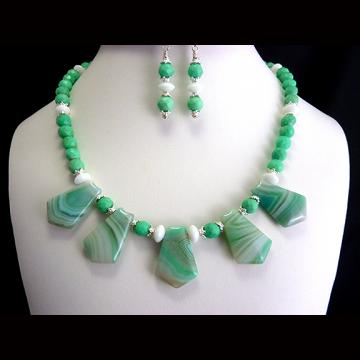 Gorgeous Mint Striped Agate and Faceted Mint Chrysoprase Necklace Set