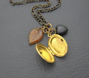 Autumn Memories: locket cluster necklace with glass leaf and black heart charm