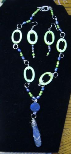 Kiwi Mother of Pearl Lapis Pendant Necklace Earrings Set
