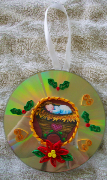Baby Jesus CD ornament - quilled