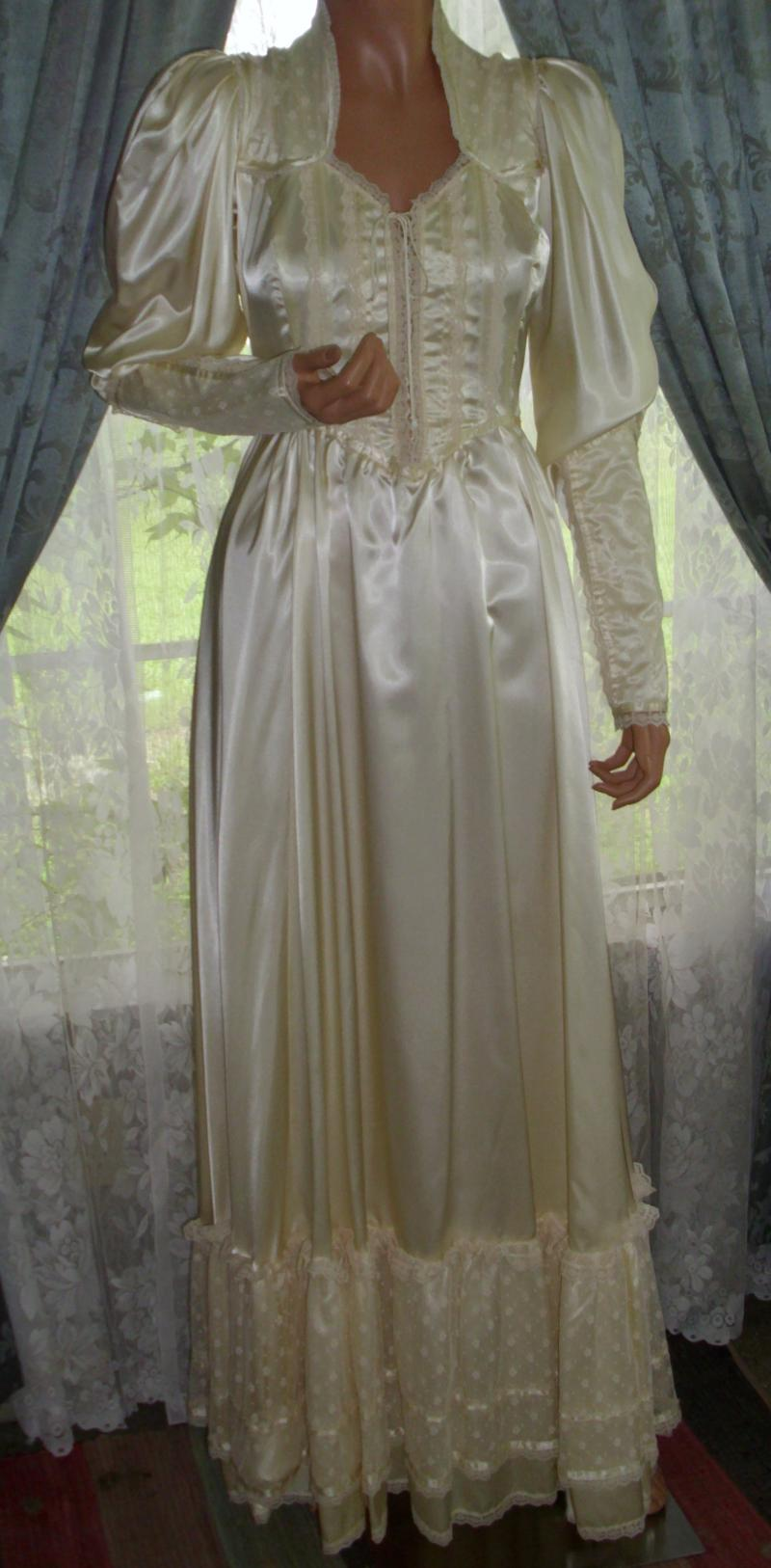 Gunne Sax Wedding Dresses