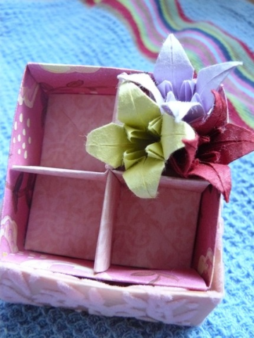 Folded Box O' Flowers