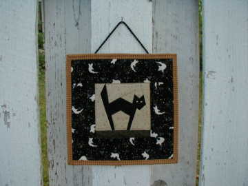 Black Cat Wall Hanging (HWHI)