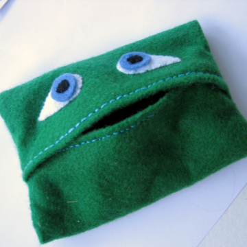 Kelly Green Multipurpose Felt Head Case Frog Bag