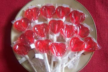Classroom Package Deal 30 Small Heart Valentine Lollipops