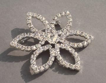 Rhinestone Set Star Brooch