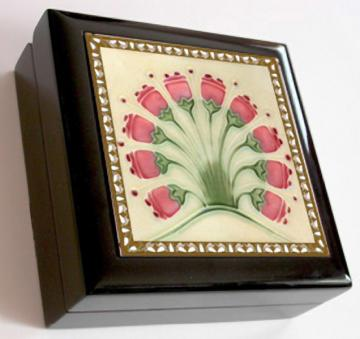 Keepsake / Jewelry Box - Vintage Art Nouveau Ceramic Tile Lid