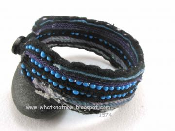 blue & black beaded anklet 1574