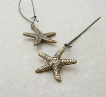 Brass Starfish earrings: lifelike, double-sided, antiqued brass starfish charms