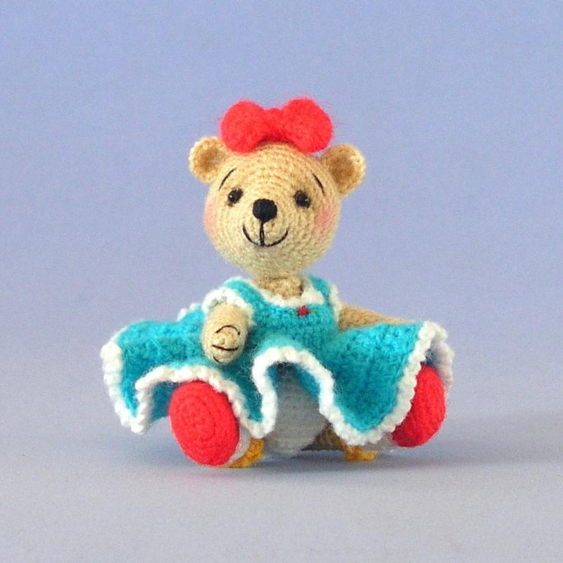 Amigurumi Curly Doll : Curly crochet doll hair pattern and knitting