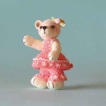 Crochet Pattern - Cassie, A Little Crocheted Bear - PDF File