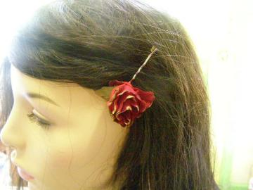 Red Rose Gold Tip Bobby Pin Alvita