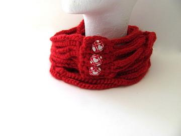 Red Heart  Crochet Cowl Scarf