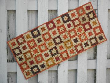 Cedar Box Tablerunner - Fall (TGTRF)