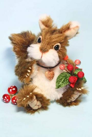 OOAK Artist Squirrel, Walnut by Wayneston Bears