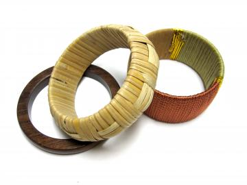 Vintage Chunky Wooden Bracelets Set of 3 Natural Tones