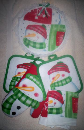 Christmas Snowman Kitchen Wall Decor Hanging Hoop w/Potholders and Oven Mitt 5pc