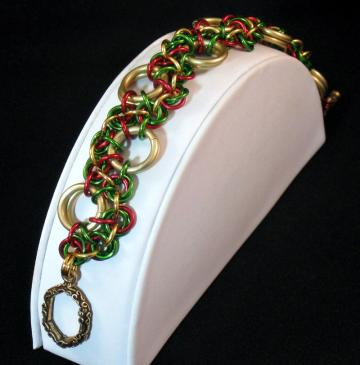 Christmas in Killarney Chainmail Bracelet