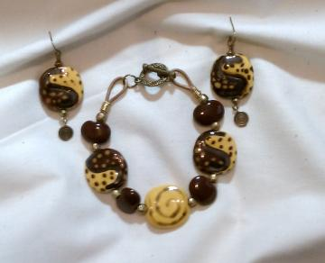 Kazuri Bracelet & Earring Set, Item #328