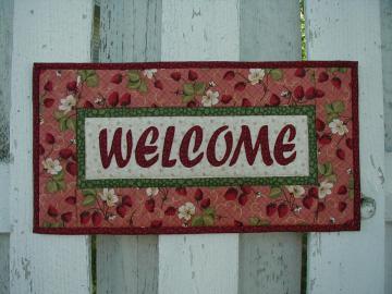 Welcome Wallhanging - Strawberries (EDWLA)