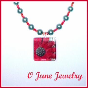 Crafty Daisy Glass Tile Pendant Beaded Necklace
