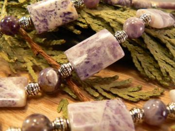 Purple bamboo agate and Dogtooth Amethyst necklace with silver beads
