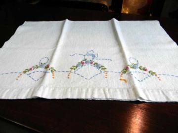 Antique Embroidered Linen Hand or Finger Tip Towel French Knots 3325