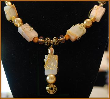 Creamy Marble & Gold Necklace