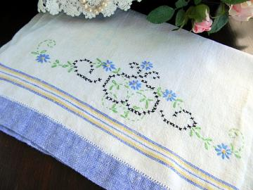 Vintage Linen Fingertip Guest Towel - Hemstitched and Embroidered 5866