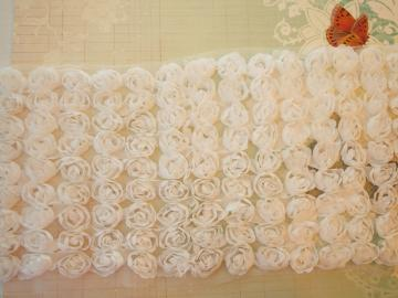 White 9 rows scallop flower trim