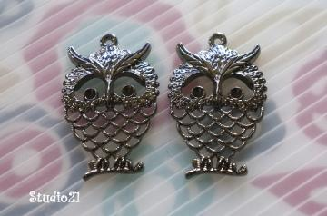 2 pcs of Antique Black Finish Owl Charm/Pendant (PEN-K01)