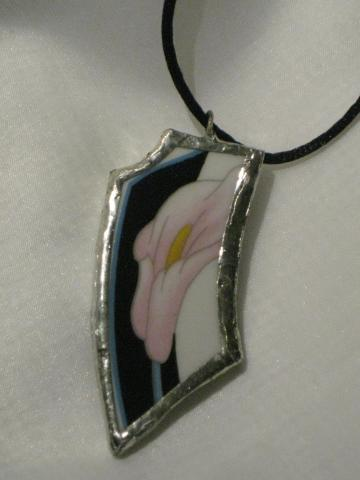 Broken China Pendant - Pink Calla Lily